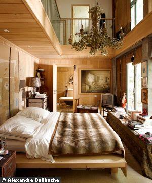 Wood floor to ceiling