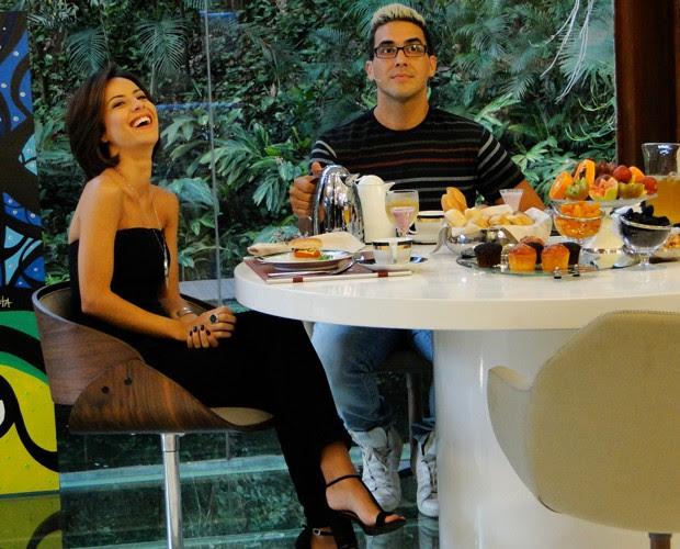 André Marques recebe Andreia Horta no Mais Você (Foto: Laura Fraga / Gshow)