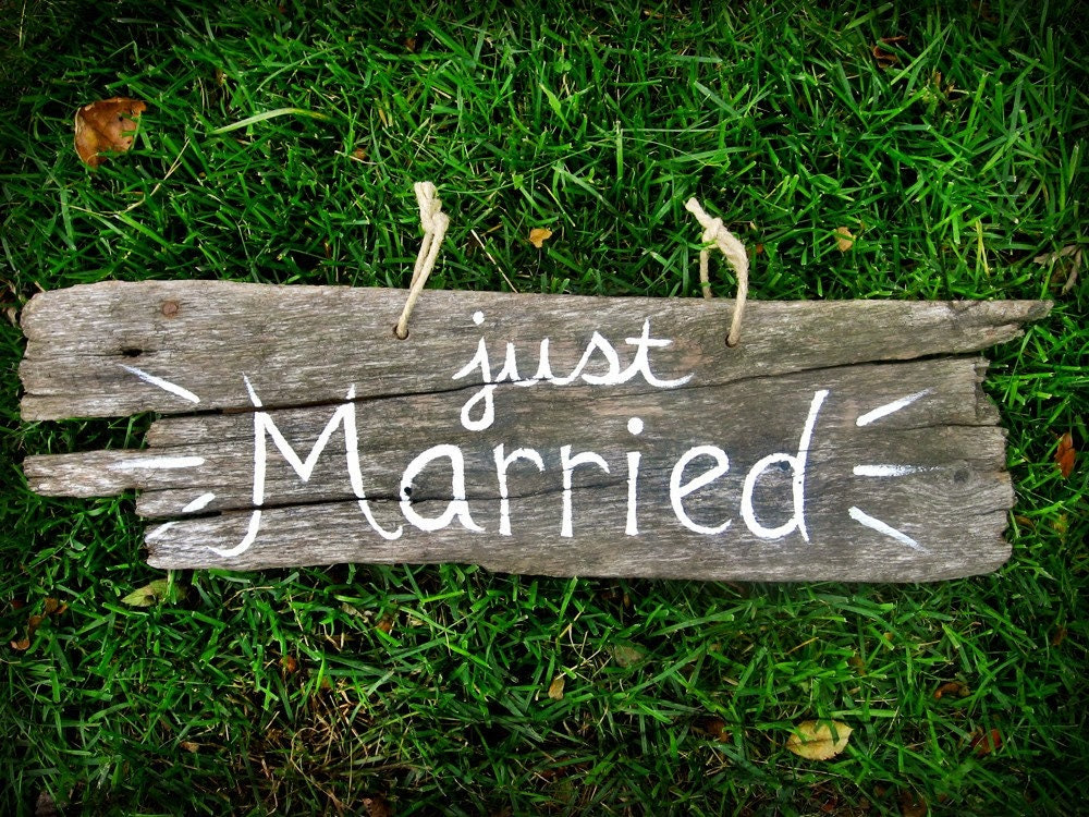 CUSTOMIZED Barn Wood Just Married Sign