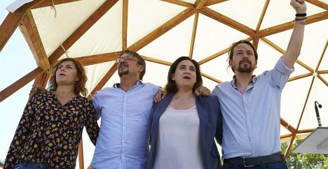 Elisenda Alamany, Xavier Domènech, Ada Colau i Pablo Iglesias a l'acte oragnitzat per Catalunya en Comú a Santa Coloma de Gramenet / EFE Alejandro García