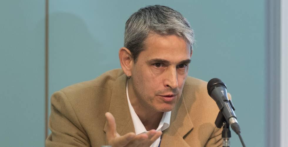 Adrian Lavalle, cientista político