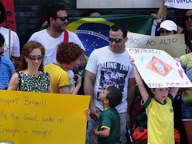 Brasileiros também protestam em Israel