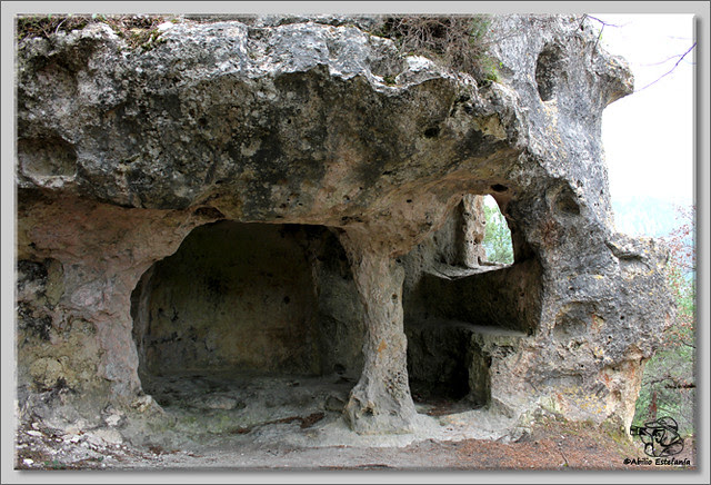 4 Cuevas de Pinedo