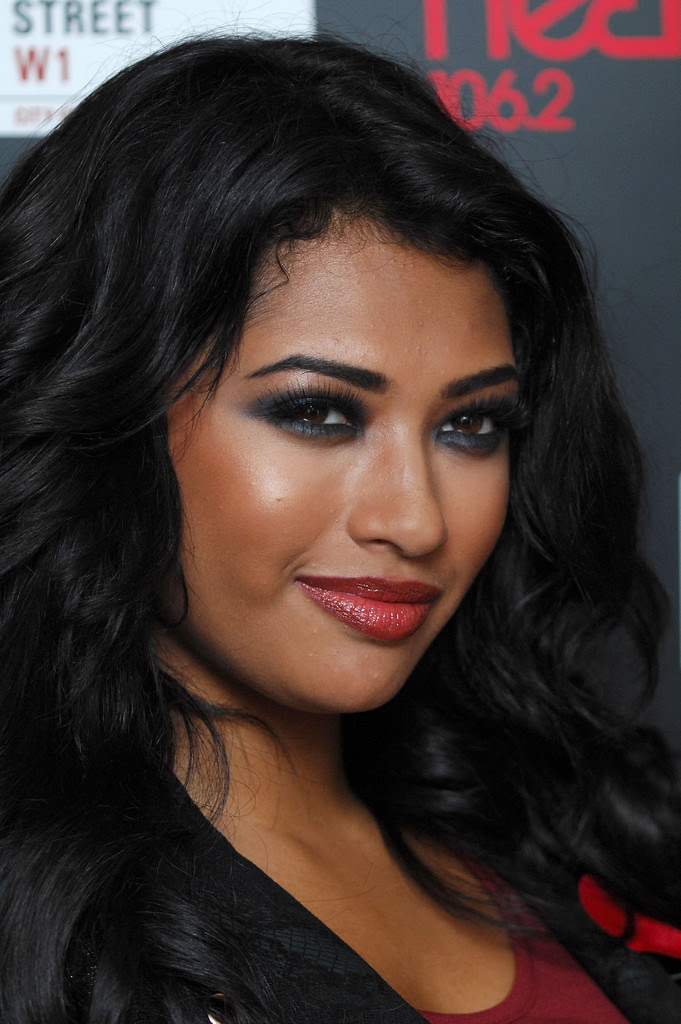 Vanessa White False Eyelashes - Vanessa White Looks ...