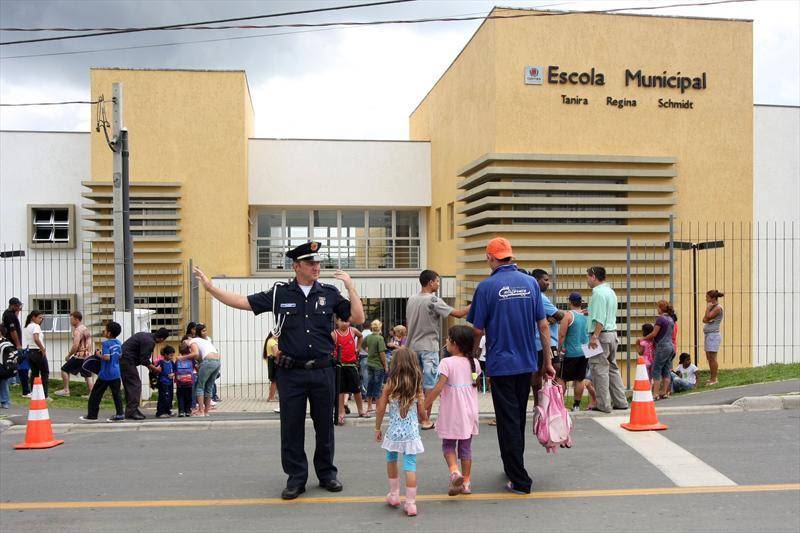 Resultado de imagem para escolas de curitiba municipio
