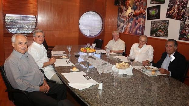 Reunião entre os dirigentes do São Paulo e o executivo da Rede Globo, Marcelo Campos Pinto