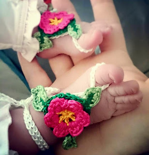 Baby_barefoot_sandals_001_small2