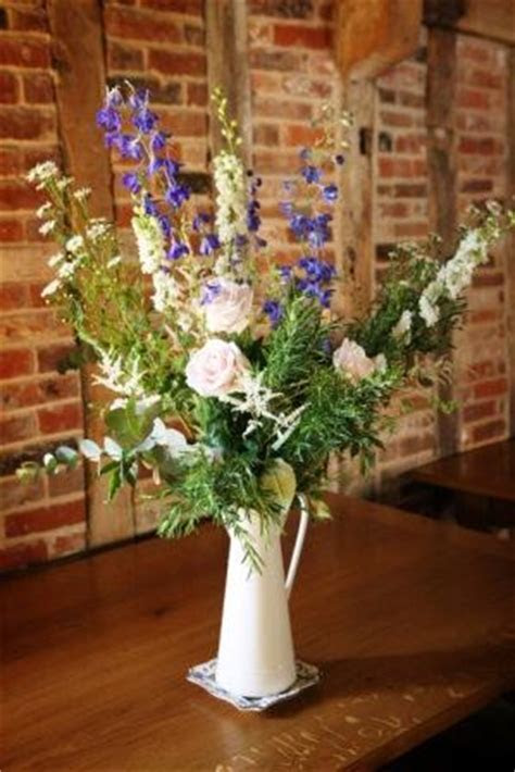 Why do wedding flowers cost so much   Dream Occasions