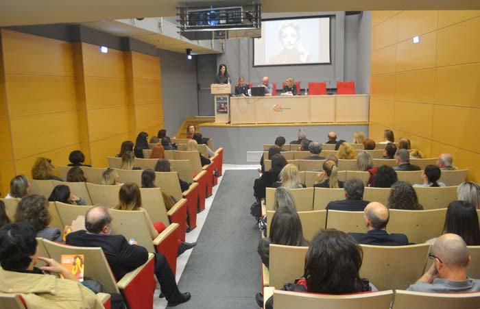 Άρτα: Κατάμεστη η αίθουσα του Επιμελητηρίου στην ημερίδα για την εξάλειψη της βίας κατά των γυναικών