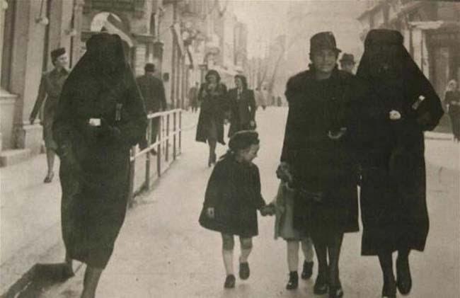 Resultado de imagen de fotos antiguas mujeres con velo