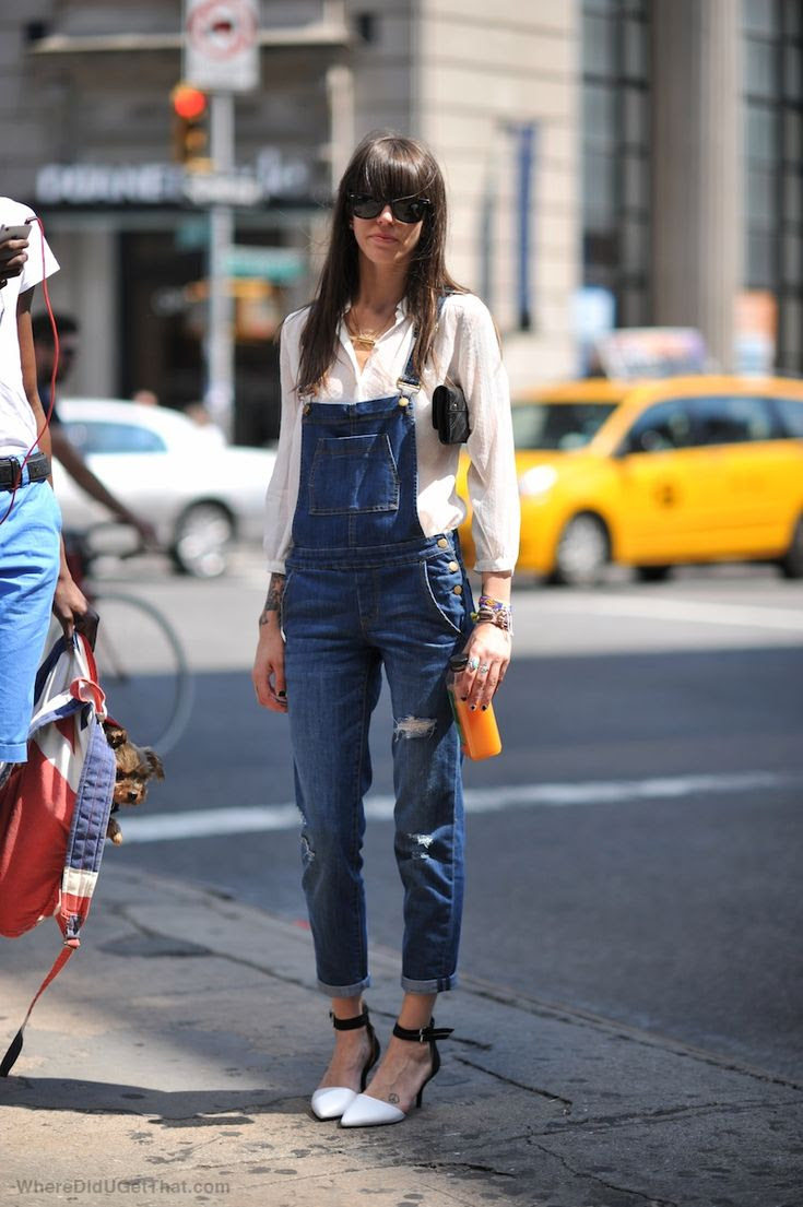 As one who is generally not a fan of the overall- this chick is rocking the hell out of hers and may have just converted me to be a believer ;)