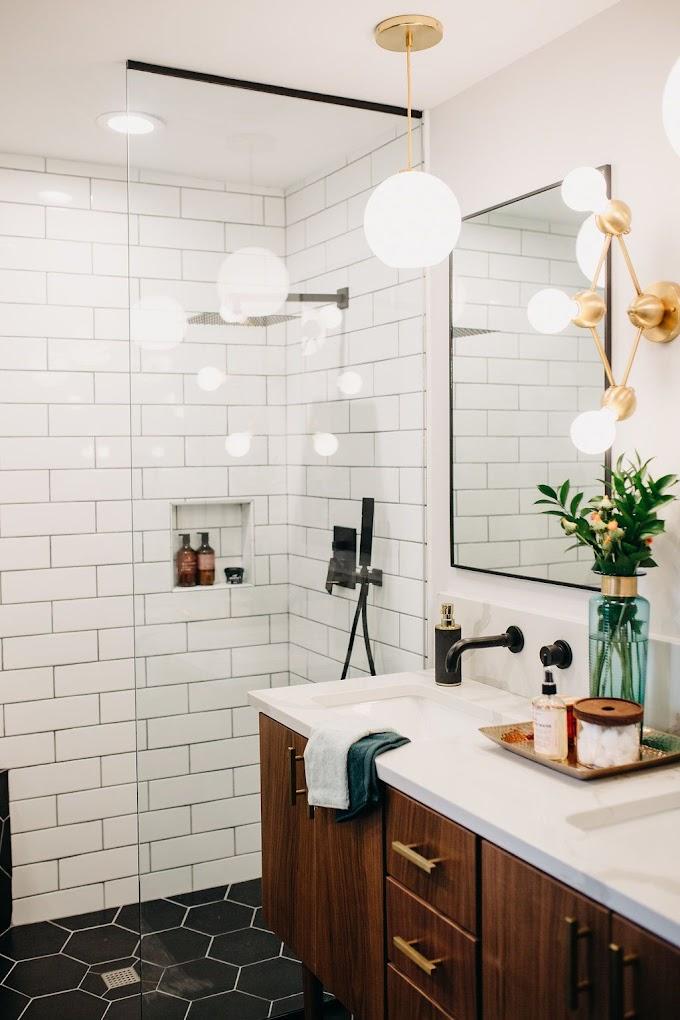 Mid Century Modern Tiny Bathroom