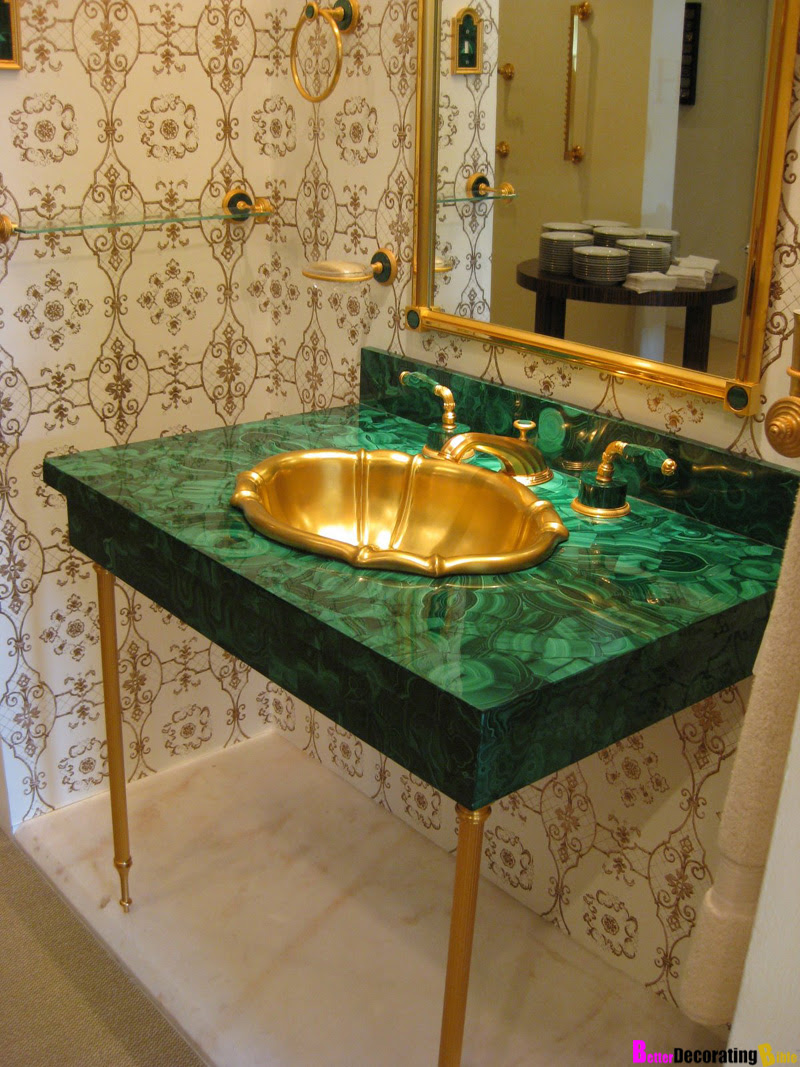 What's Hot Now – Emerald Green Malachite