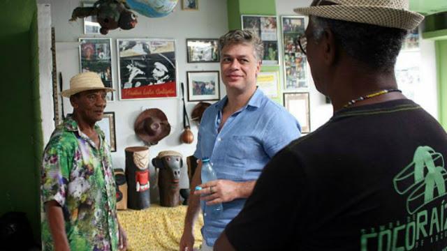 O grupo Coco Raízes foi um dos que o ator paulista visitou durante as gravações do documentário. Foto: Silveraço/Coco Raízes de Arcoverde/Reprodução