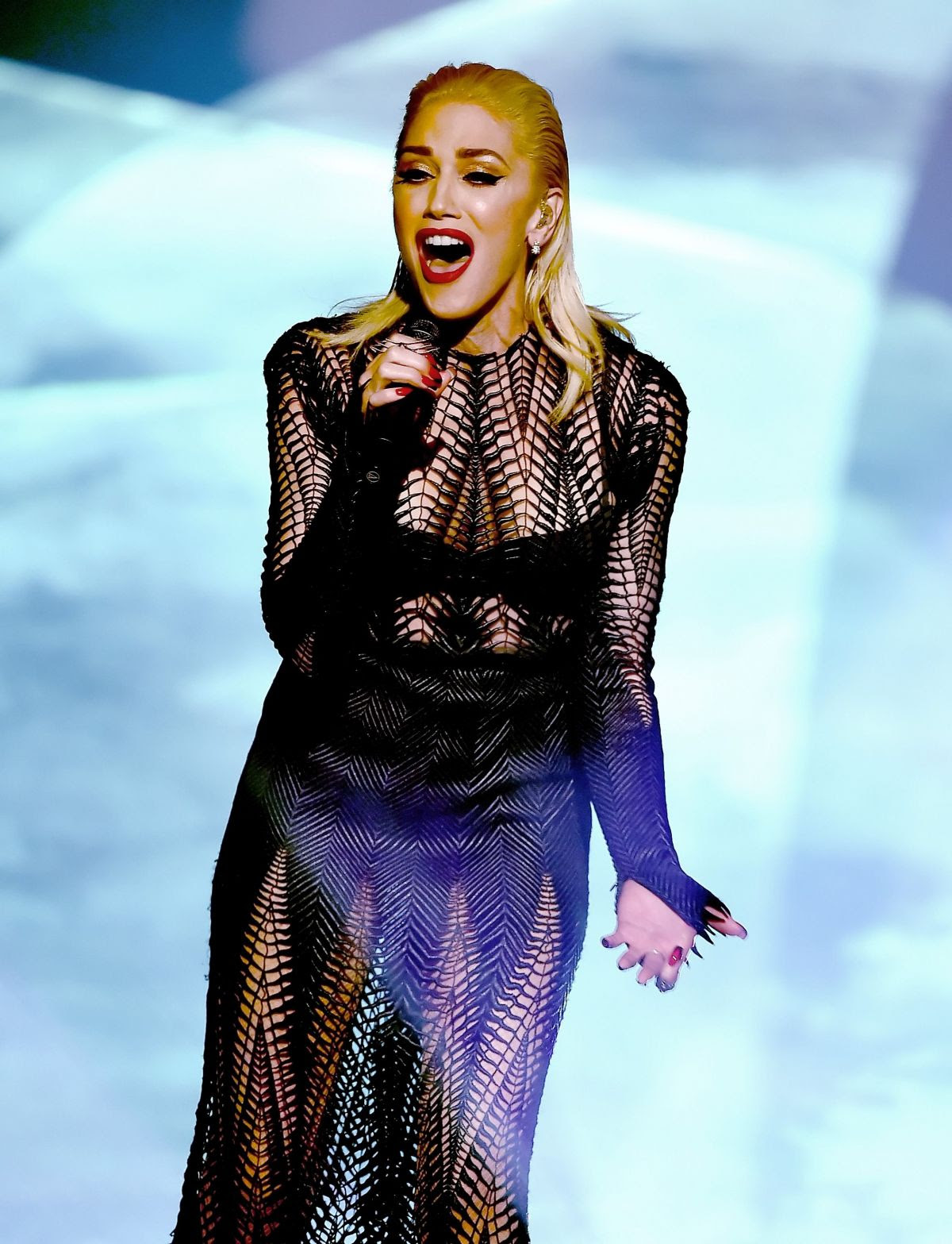 GWEN STEFANI Performs at American Music Awards 2015 11/22/2015