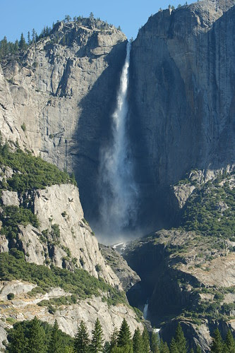 Uper and Lower Yosemite Falls (1)