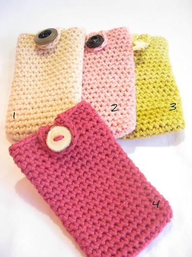 phone cozy :))) by rosaechocolat