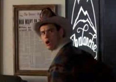 Lloyd Christmas (Jim Carrey) in the movie DUMB & DUMBER.