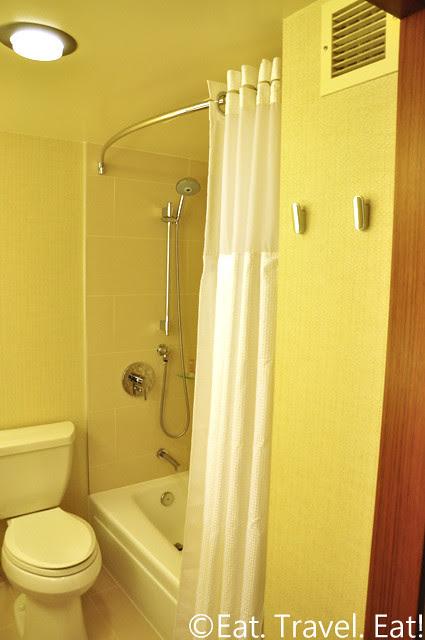 Grand Hyatt San Francisco: Toilet/Shower