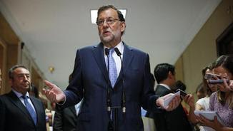 Mariano Rajoy poc després de recollir la credencial al Congrés (EFE)