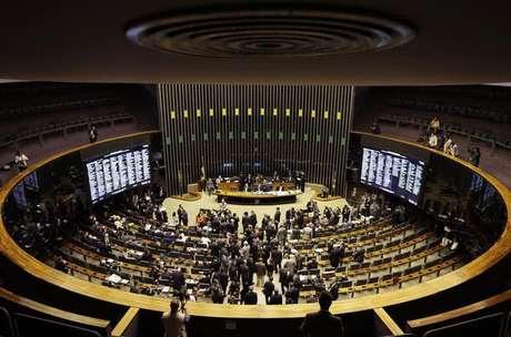 Pela proposta, também não haverá mais substituição de parlamentar eleito por um suplente de outro partido Foto: Ueslei Marcelino / Reuters
