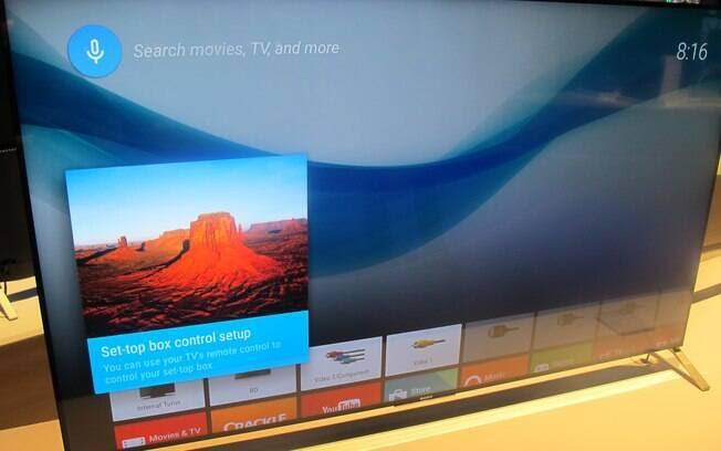 Poder de busca do Google e recurso de envio de conteúdo para a TV similar ao do Chromecast são destaques da Android TV, sistema adotado pela Sony e da Sharp. Foto: Emily Canto Nunes/iG