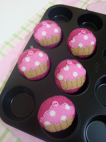 Cupcakes para a Marcelle Canto! by Menina Prendada - Manualidades da Dayse