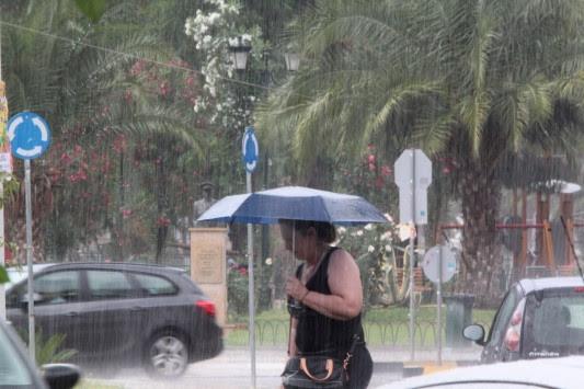 `Ξεθάψτε` τις ομπρέλες! Έκτακτο δελτίο επιδείνωσης του καιρού! Βροχές, καταιγίδες και χαλάζι από σήμερα το βράδυ!