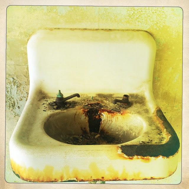 Alcatraz sink