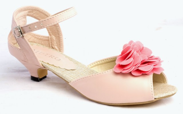 Girls-Womens-Beautiful-Casual-High-Shoes-Eid-Footwear-Collection-2013-by-Metro-Shoes-8