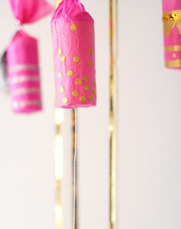 Make your own party poppers. This blog has a ton of new years eve party ideas!!!!!!!!