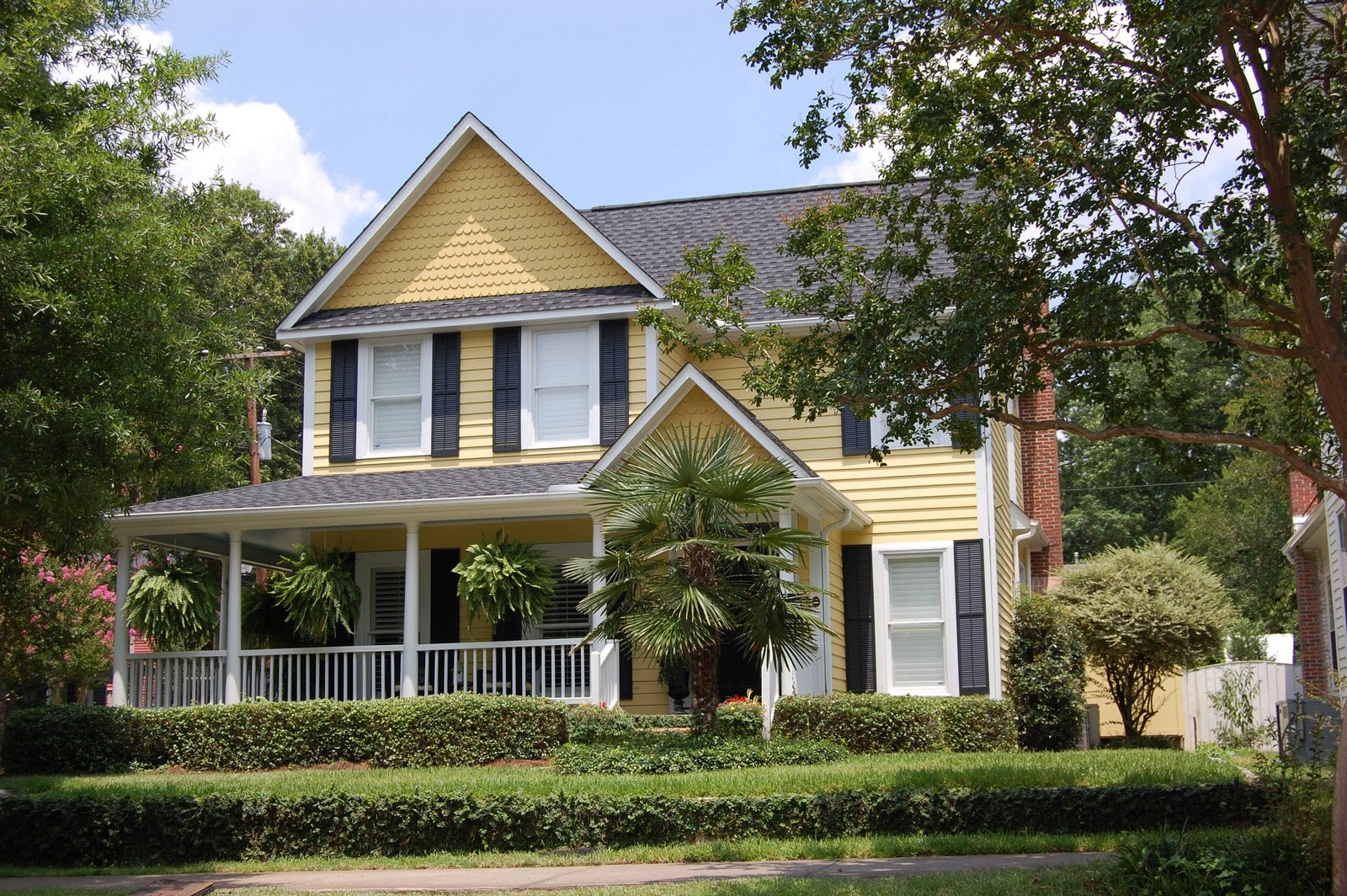 Festival of Flowers: Historic Home and Garden Tour