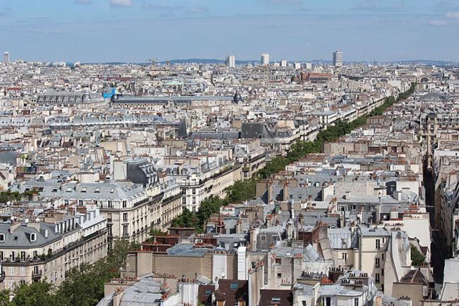 Arquivo: Boulevard de Sébastopol, Paris, de Tour St Jacques 2013-08.JPG