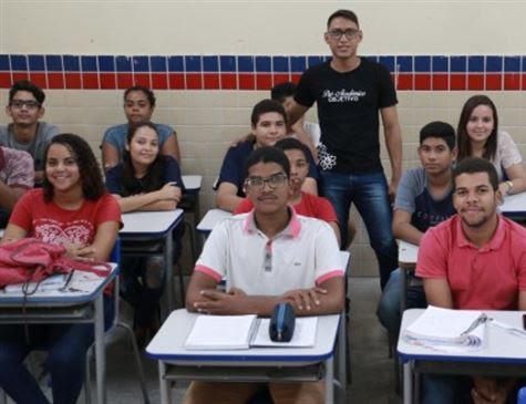Morador de Vila Rica entra na universidade e cria curso gratuito na comunidade