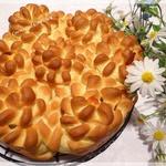 """Пирог """"Цветы"""" с беконом и сыром Чечил"""