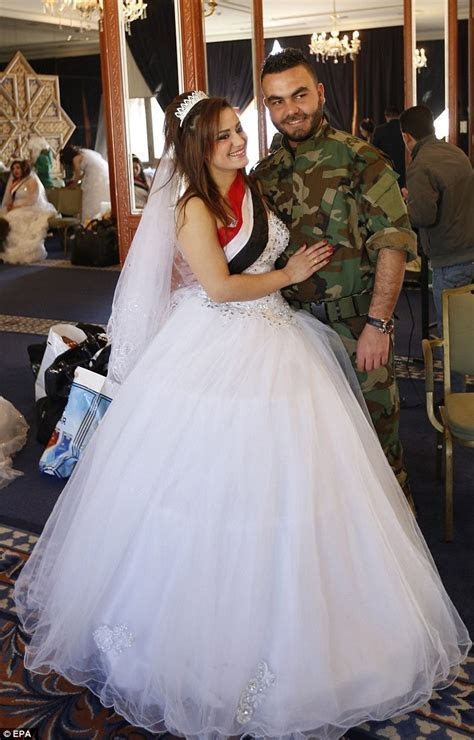 Syria couples prepare for a mass wedding   Daily Mail Online