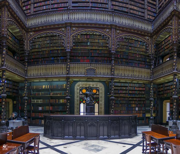 perierga.gr - Βιβλιοθήκη του 19ου αιώνα με 350.000 βιβλία στα ράφια της!