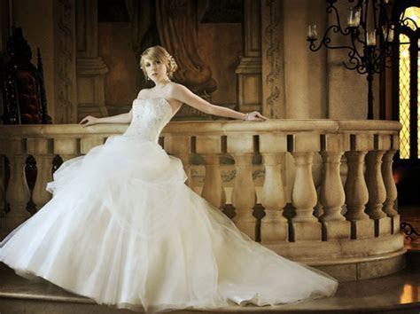 Bride and Wedding Dress Photos in Dallas Fort Worth Texas