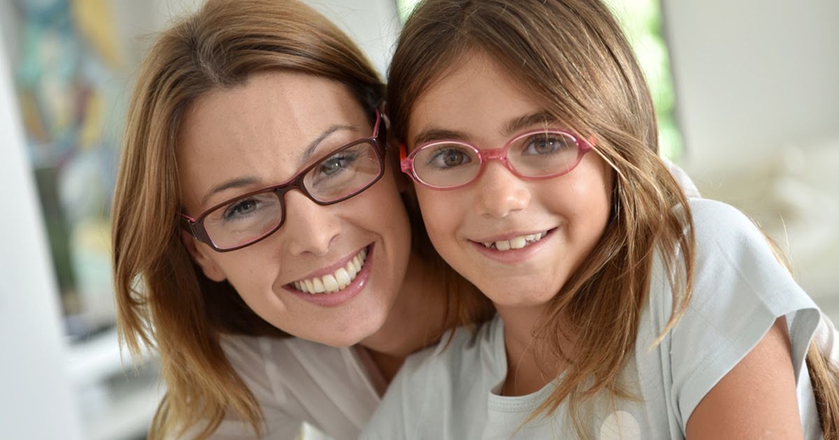 mother daughter wearing glasses 1200x630