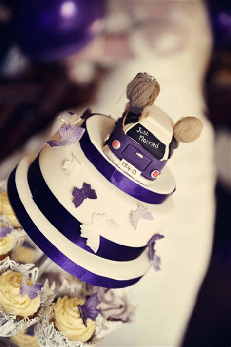 lovely Oxfordshire Wedding with a splash of purple