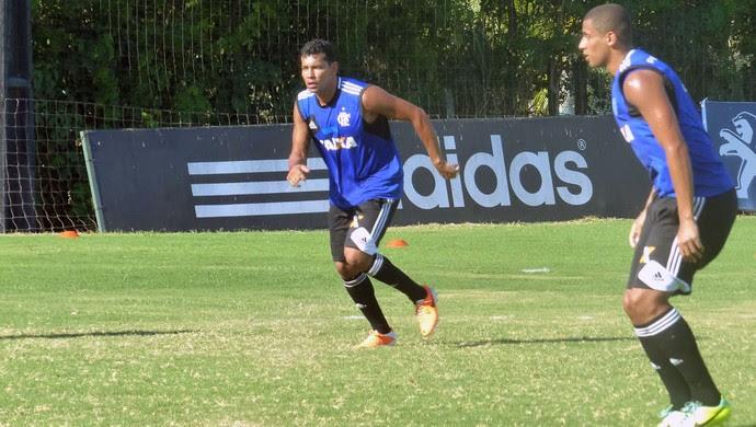 André Santos no treino do Flamengo (Foto: Globoesporte.com)