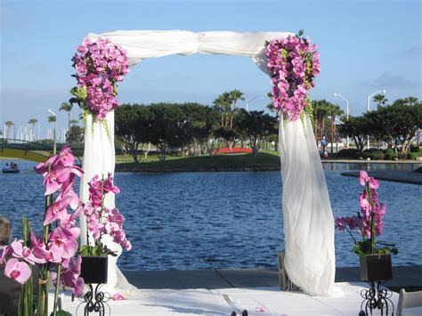 Purple wedding decorating ideas   Wedding Decorations