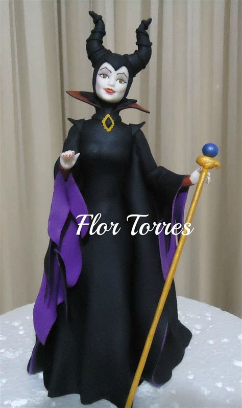 1000  ideas about Maleficent Cake on Pinterest   Sleeping