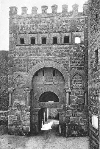 Puerta vieja de Bisagra o de Alfonso VI (Toledo) tras su restauración. Foto Aldus