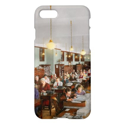 Accountant - Workaholic 1923 iPhone 7 Case