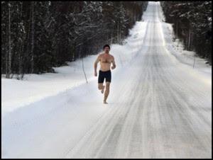 perierga.gr - Ο άνθρωπος που γύρισε από τα χιόνια!