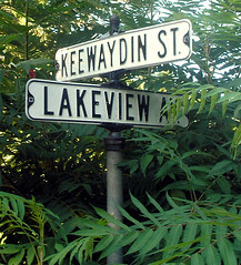 Keewaydin and Lakeview sign