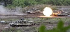 Στρατιωτική άσκηση της Νότιας Κορέας με πραγματικά πυρά