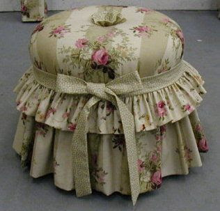 Floral tuffet
