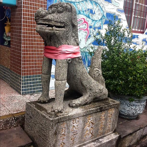 碧蓮寺,石狛(開口的是公的)